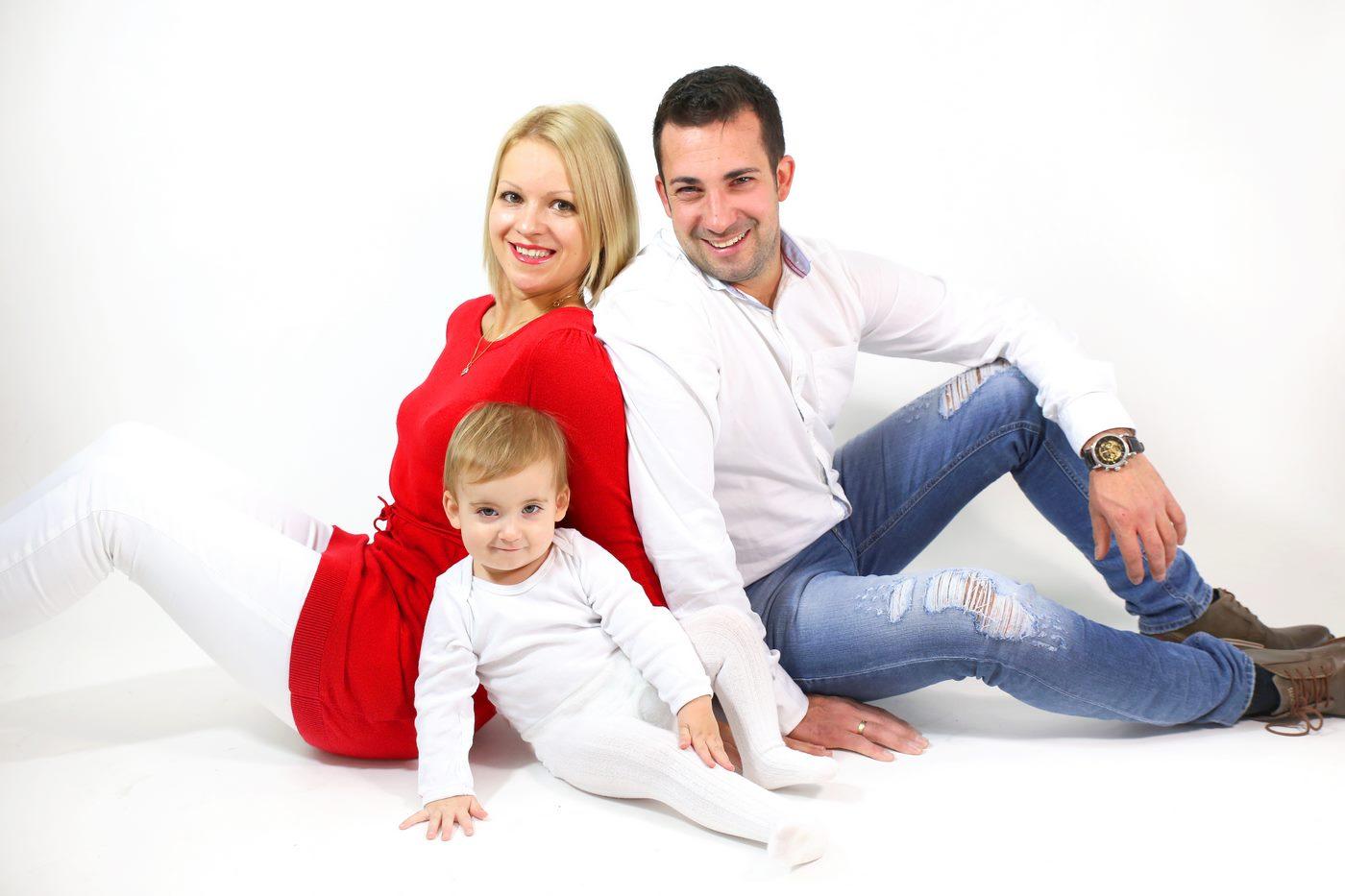 Familie in Fotostudio fotografiert