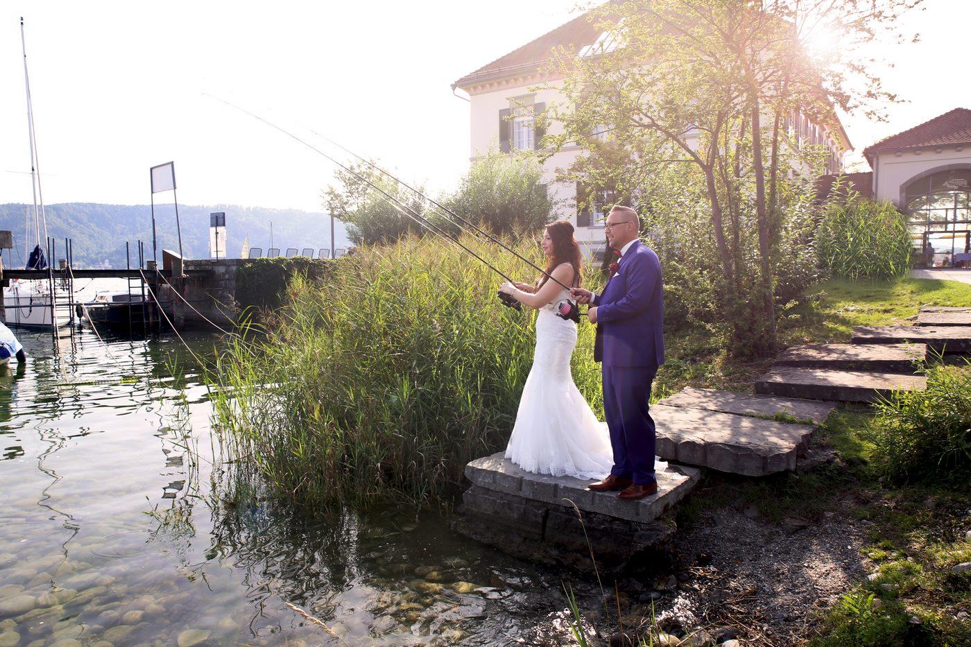 Brautpaar angelt im Bodensee