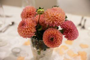 Blumenschmuck in Vase