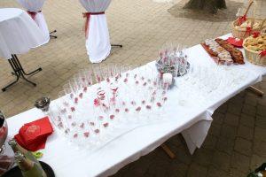 Vorbereitungen Sektempfang mit Zopf
