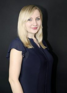 Businessfotografie Frau mit Bluse