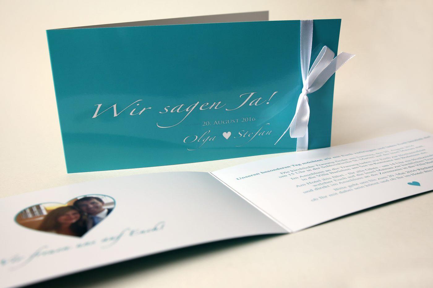 Offene Einladungskarte zur Hochzeit in türkis