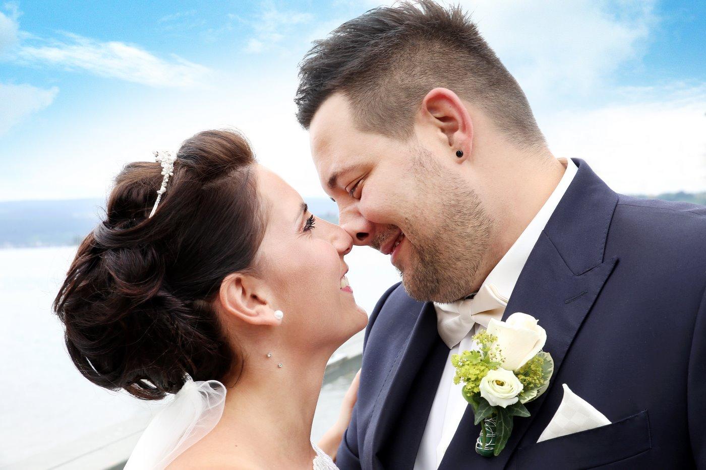Brautpaar Nase an Nase