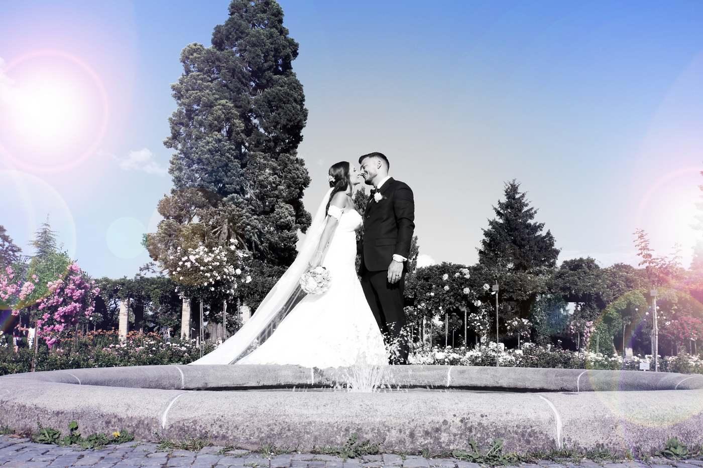 Brautpaar an Brunnen auf der Blumeninsel Mainau